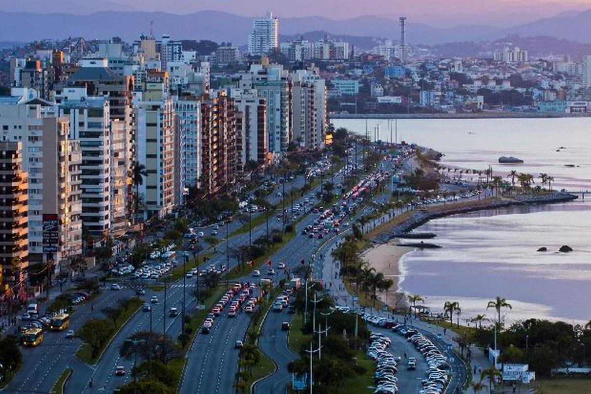 Uma bela imagem da Beira Mar Norte para combinar com esta Capital Charmosa. SETUR Florianópolis - Santa Catarina -  Foto: Mafalda Press