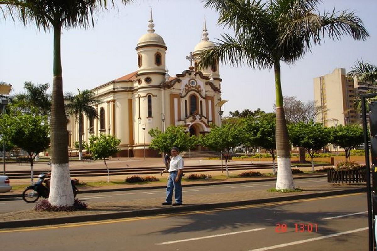 Arapongas Paraná fonte: www.guiadoturismobrasil.com