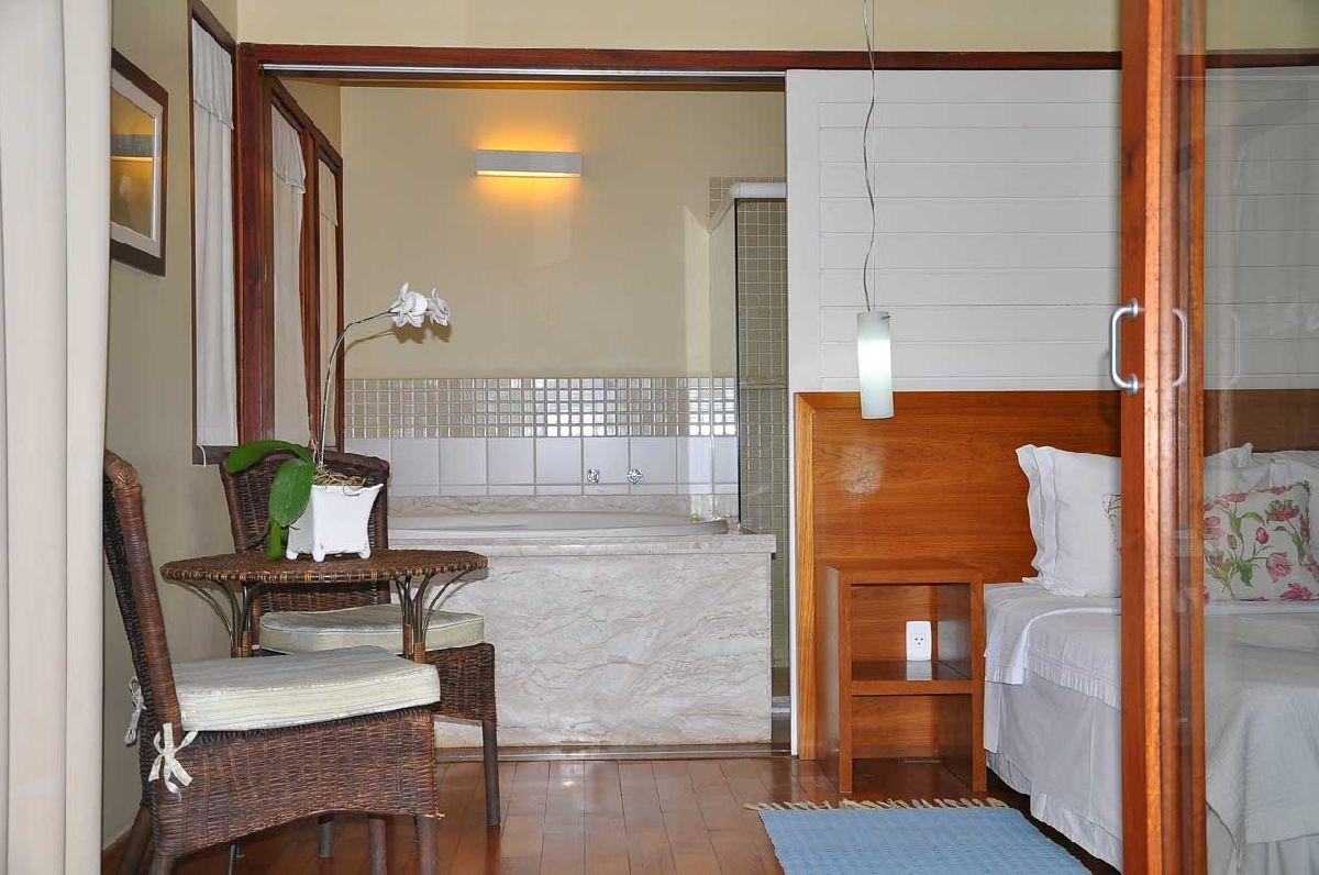 O HOTEL FITA AZUL COMBINA ELEGANTEMENTE COM A MODERNIDADE EM UM AMBIENTE ACOLHEDOR PARA PROPORCIONAR UMA DELICIOSA EXPERIÊNCIA EM ILHABELA/SP