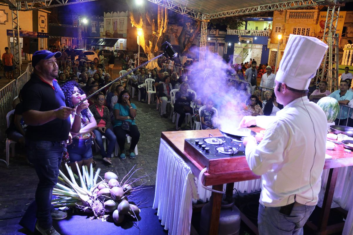 CANAVIEIRAS ANUNCIA FESTIVAL GASTRONÔMICO