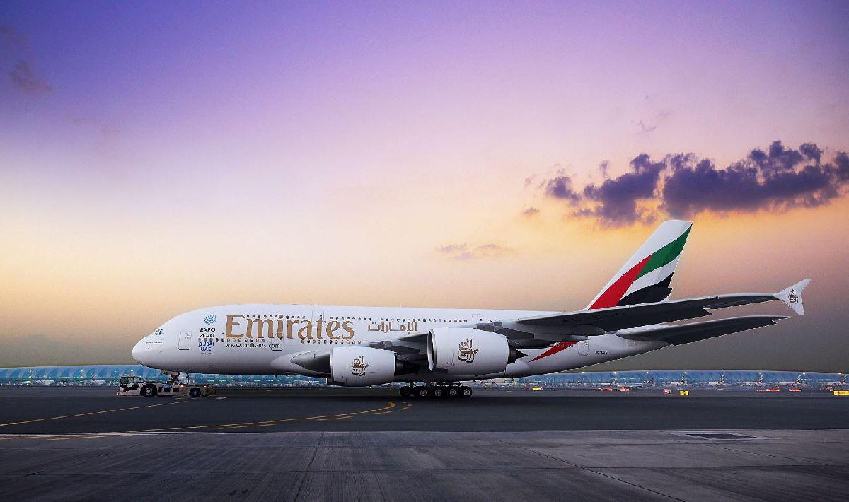 EMIRATES USA SUA ICÔNICA AERONAVE A380 EM VOO PARA GUANGZHOU E RETOMA VOOS PARA A CIDADE DO KUWAIT E LISBOA