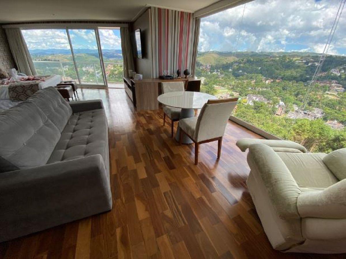 CHRIS PARK HOTEL: ROMANCE E LOCALIZAÇÃO PRIVILEGIADA EM CAMPOS DO JORDÃO
