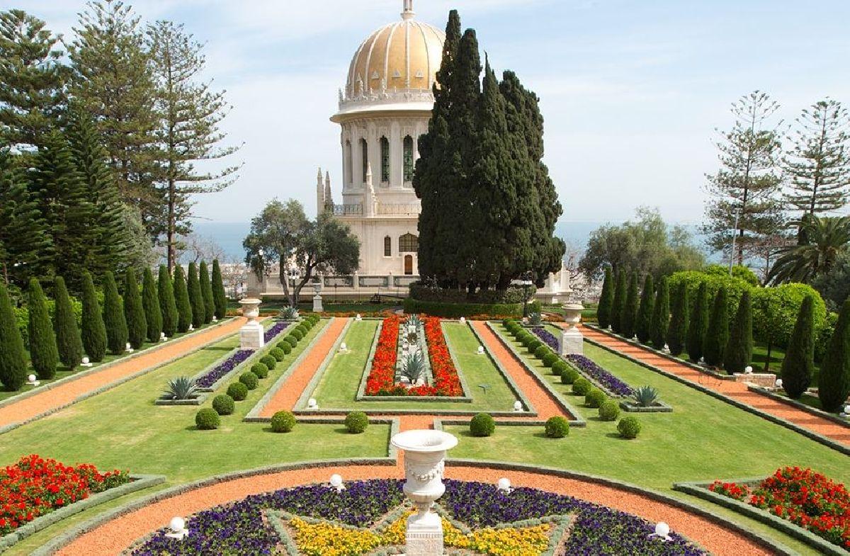 ISRAEL É O PRIMEIRO PAÍS A SUSPENDER COMPLETAMENTE TODAS AS RESTRIÇÕES PARA COVID