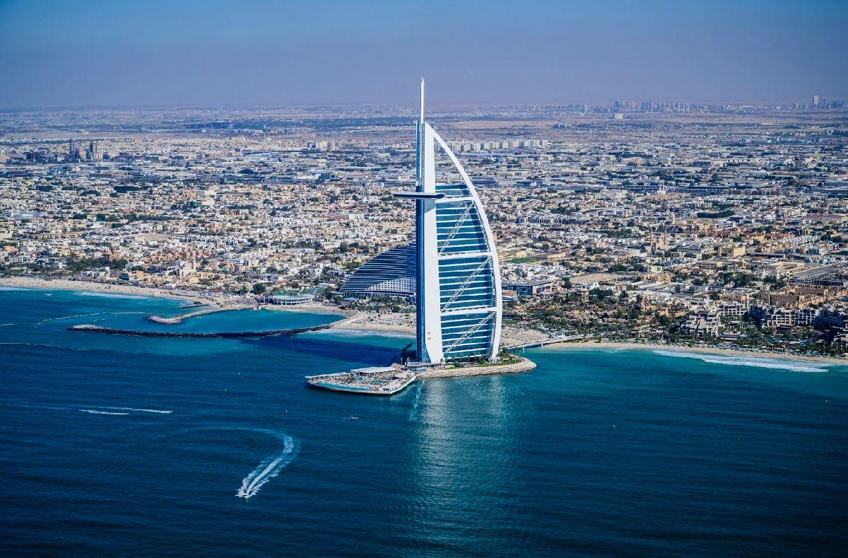 UM ANO APÓS REABERTURA, DUBAI LIDERA A RECUPERAÇÃO DO TURISMO GLOBAL