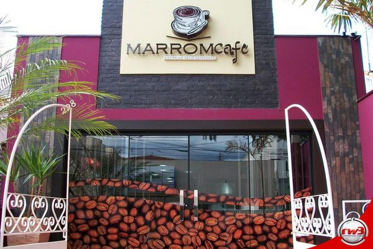 Marrom Café