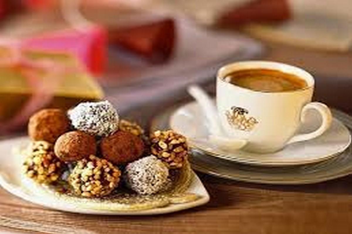Demanos Café