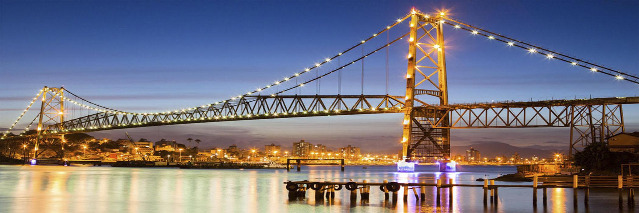 FLORIANÓPOLIS-SC LITORAL SUL Florianópolis é um dos destinos turísticos mais badalado e a Ilha da Magia no sul do país