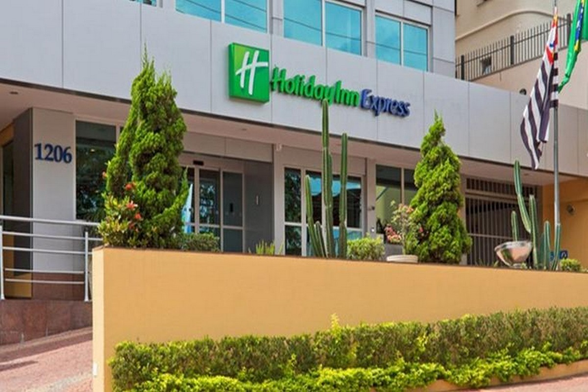 HOLIDAY INN EXPRESS SUMARÉ