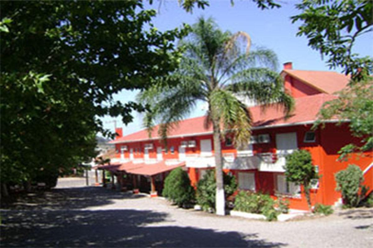 HOTEL E RESTAURANTE DONA ADÉLIA