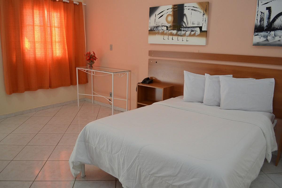 HOTEL CANTINA CALABREZA