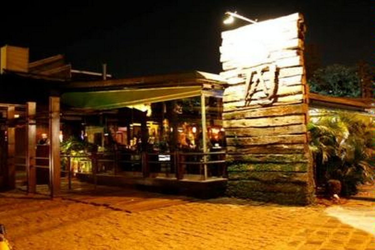 Taj Bar e Restaurante