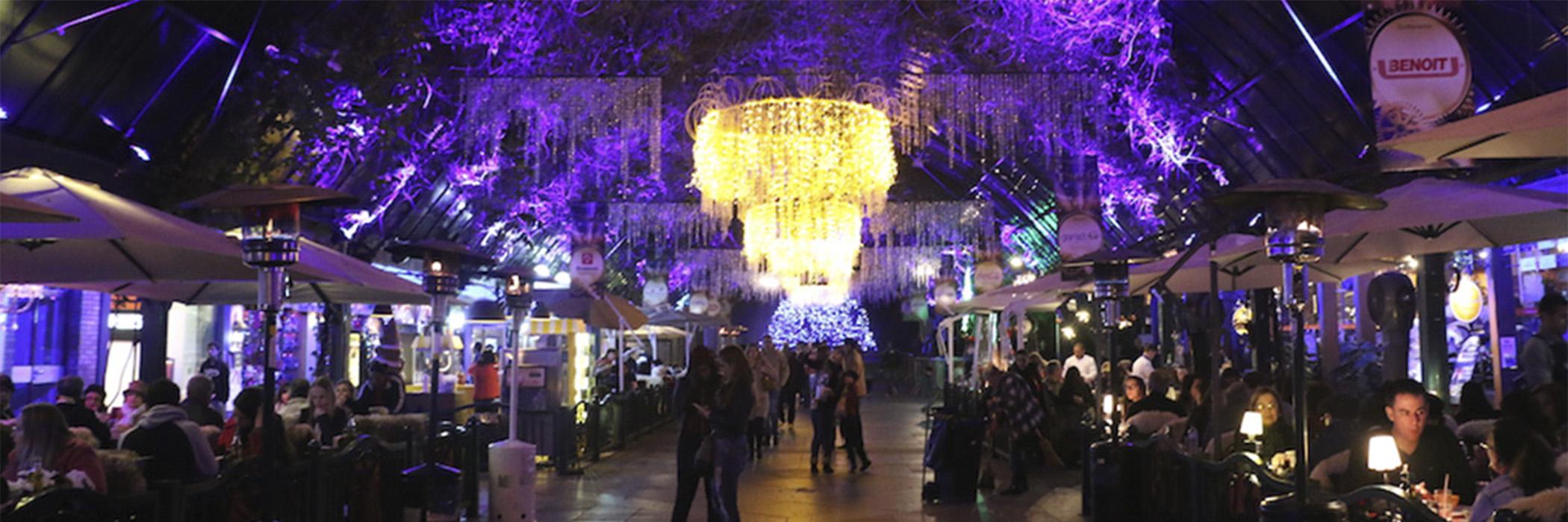 HOME ROTEIRO DA SERRA GAUCHA - RS GRAMADO - Lustre grande no shopping a noite