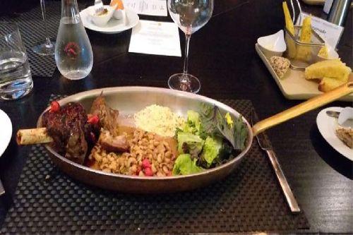 RESTAURANTE TASTEIT FOOD AND LOUNGE