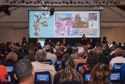 MEETING FESTURIS PROMOVE DEBATES COM GRANDES LIDERANÇAS DO TURISMO