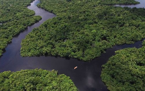 CURTA AS BELEZAS DA AMAZÔNIA A BORDO DO HOTEL FLUTUANTE IBEROSTAR HERITAGE GRAND AMAZON
