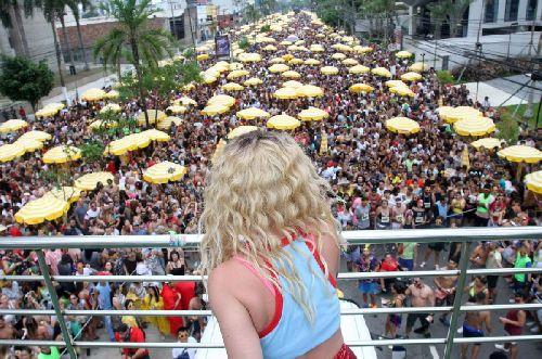 CARNAVAL DE SÃO PAULO, QUE DEVERÁ SER O MAIOR DO BRASIL, TEM HORA PARA ACABAR